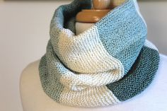Ravelry: First Point of Libra Cowl pattern by Laura Aylor