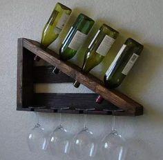 adega de madeira maciça pallets vinhos e porta taças