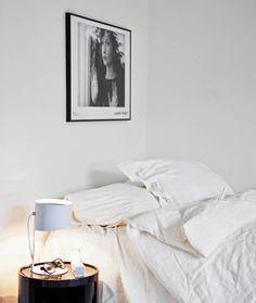 37m² sem aperto. Veja como: https://casadevalentina.com.br/blog/detalhes/37m-sem-aperto-2822  #details #interior #design #decoracao #detalhes #decor #home #casa #design #idea #ideia #charm #charme #casadevalentina #bedroom #quarto #dormitorio