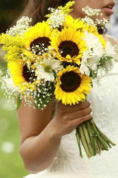 Bouquet da sposa con i girasoli.