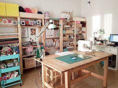 """283 Likes, 13 Comments - ⠀⠀⠀⠀⠀ ⠀ A LITTLE MARKET ITALIA (@alittlemarketitalia) on Instagram: """"Ecco la #almcraftroom di questa settimana. Questo laboratorio è di @casagheis . Sembra un posticino…"""""""