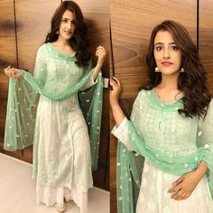 You Looks Gorgeous When You Wear ThisStylish Party Wear Kurta and palazzo with dupatta set Dress. Trendy Dresses, Nice Dresses, Casual Dresses, Fashion Dresses, Pakistani Dresses, Indian Dresses, Indian Outfits, Pakistani Couture, Indian Couture