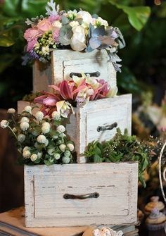 Mountain Wedding Old drawers make such an … Wedding Centerpieces, Wedding Decorations, Table Decorations, Rustic Wedding, Wedding Day, Deco Floral, Wedding Designs, Floral Arrangements, Diy And Crafts