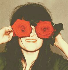 Allison Mosshart and roses
