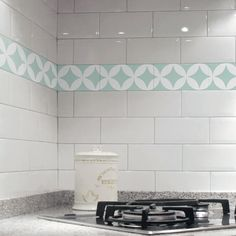 Stencils on pinterest for Vinilos pared azulejos