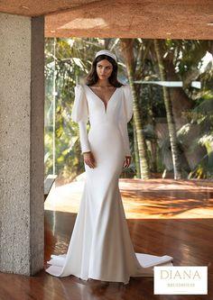 Pronovias collectie 2021 | Premium Dealer | Trouwjurk TURNER Hollywood Glamour, Glamour Hollywoodien, Classic Hollywood, Wedding Dress Trends, Designer Wedding Dresses, Mermaid Dresses, Bridal Dresses, Pronovias Wedding Dress, Contemporary Dresses