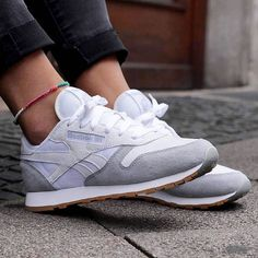 Trendy Sneakers 2018 Sneakers femme – Reebok Classic Kendrick Lamar (©sapato) – Go to Source – Sneaker Outfits, Reebok Outfit, Crazy Shoes, Me Too Shoes, Sock Shoes, Shoe Boots, Sneaker Trend, Kendrick Lamar, Kinds Of Shoes