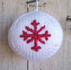 Knitted Christmas Ornament by wattlebirdies, via Flickr