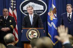 Yhdysvaltain liittovaltion poliisin FBI:n johtaja Christopher Wray kertoi lisätietoja kirjepommiepäillystä.