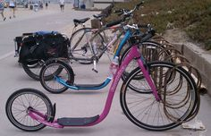 The footbike, also available in pink. - Not quite sure what to think of this.