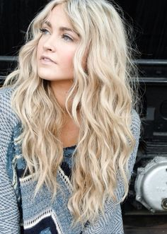 beach waves, blonde hair