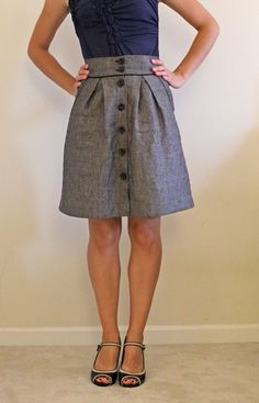 Kelly Skirt pattern by Megan Nielsen via stitching on the edge