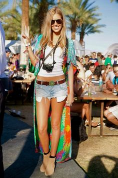 Hippie boho festival threads. Tie dyed maxi jacket, denim cut offs, tan suede booties... Love it.