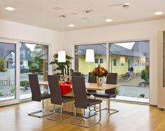 Haus FUTURE - Essbereich - Fertighaus - Plusenergiehaus - Satteldach