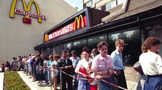 First McDonald's in the USSR, Moscow 1990 (via Reddit)