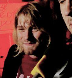 GIF Kurt Cobain smiling