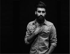 Not being able to Grow a Fuller and Thicker Beard?Being made fun of by bearded friends?We will help you right from the basics of beard growth. Long Beard Styles, Hair And Beard Styles, Beard Growth, Beard Care, Van Dyke Beard, Silver Fox Hair, Growing A Full Beard, Beard Trend, Hot Beards