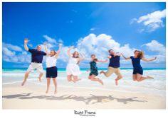 www.rightframe.net – Oahu family portrait photography at Waimanalo Beach, Hawaii. portraits, ideas, idea, Waikiki, honolulu, hawaii, hawaiian, couple, families, photo, pictures, photos, pose, holiday, vacation, poses, posing, session, kids, kid, bellows, white, blue, ocean, photographer, photographers.