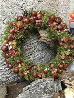 kranzYou can find Herbst tischdekorationen and more on our website. Autumn Wreaths, Christmas Wreaths, Christmas Decorations, Holiday Decor, Art Floral Noel, Acorn Crafts, Lavender Wreath, Idee Diy, Autumn Crafts