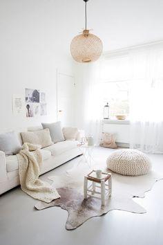 Gravity Home  : White Scandinavian style home   Follow Gravity...