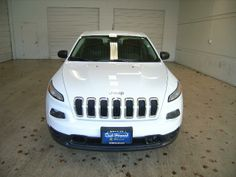 2014 Jeep Cherokee Sport Sport 4dr SUV SUV 4 Doors White for sale in Vancouver, WA Source: http://www.usedcarsgroup.com/used-jeep-cherokee-for-sale