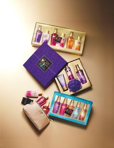 I love these mixes perfume sets ! Essential VS Fantasies gift sets.