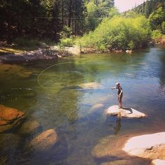 beautiful fly fishing picture on the river – Fishing Ideas Fly Fishing Tips, Fishing Girls, Gone Fishing, Trout Fishing, Bass Fishing, Fishing Rods, Fishing Tackle, Fishing Basics, Fishing Tricks