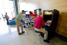 Got a few minutes before your lesson at the Academy or a clinic in the Performance Theatre? Meeting the family for lunch? Why not play a game or two in Sweetwater's family-friendly arcade and game area? Here you can join in a game of pool, a round of virtual golf, or try your hand at one of the various classic arcade games — it's all free!  http://www.sweetwater.com/tour/28/arcade__and__game_area