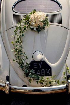 Vintage VW Beetle Bridal Car Decor by Wedding Flower Guide, Vintage Wedding Flowers, Bridal Flowers, Flower Bouquet Wedding, Floral Wedding, Wedding White, Trendy Wedding, Wedding Car Decorations, Wedding Wreaths
