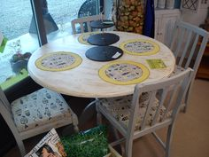 Dining table + 4 chairs + placemats by GwerDenStudio on Etsy