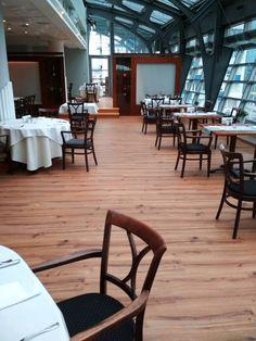 VANS RESTAURANT (PL) - FACILE+ ROVERE UMBRO #skema #italiandesign #pavimento #design #facile+ #flooring Restaurants, Vans, Furniture, Design, Home Decor, Parquetry, Decoration Home, Room Decor, Van
