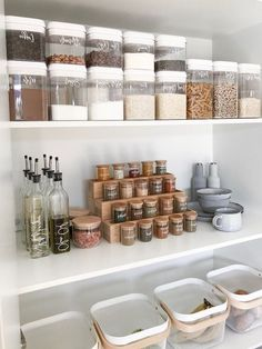 comment ranger sa chambre ou sa cuisine idees pour les epices et les aliments Warm Home Decor, Home Decor Items, Home Decor Accessories, Cheap Beach Decor, Cheap Home Decor, Kitchen Pantry Storage, Kitchen Organization, Organization Ideas, Storage Ideas