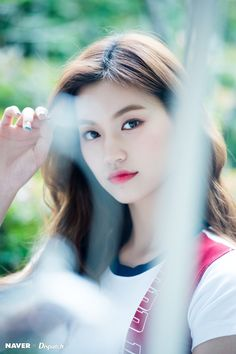 Doyeon Kpop Girl Groups, Korean Girl Groups, Kpop Girls, Ulzzang, Jung Chaeyeon, Choi Yoojung, Kim Sejeong, Unique Faces, Photo P