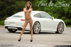 Topless Babe with Porsche 911 – Fast & Sexy