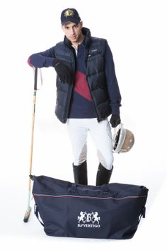Polo style is on ! Montana polo shirt horze, silvano vest pikeur, and white rodrigo trousers from pikeur. Need some accessories? How about a b vertigo trip bag.  http://www.reitsport.ch/reiter/reithosen/kniebesatz/pikeur-reithose-kniebesatz-rodrigo-ii-herren-white http://www.reitsport.ch/reiter/reitwesten/pikeur-daunenweste-silvano-herren-navy http://www.reitsport.ch/reiter/oberbekleidung/langarm/horze-t-shirt-montana-langaermlig-herren-blau/rot-pdb