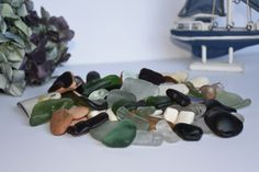 irishseaglassbeauty by irisseaglassbeauty Fairy Box, Artwork For Home, Irish Sea, Driftwood, Sea Glass, Tiles, My Etsy Shop, Etsy Seller, Pottery