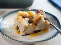 Food network recipes 574983077429059933 - Get Chocolate-Orange Bread Pudding Recipe from Food Network Source by Köstliche Desserts, Delicious Desserts, Dessert Recipes, Chocolate Orange, Dark Chocolate Chips, Healthy Chocolate, Chocolate Bread Pudding, Chocolate Pastry, Pudding Cake