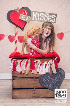Love this photographer! Valentines Day Dog, Valentines Day Photos, Dog Photos, Dog Pictures, Dog Calendar, Valentine Picture, Kissing Booth, Dog Birthday, Animal Photography