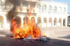 #SOSPORMÉXICO Una ejecución extrajudicial y 127 detenidos, saldo de la jornada electoral http://ift.tt/1KYbLQt