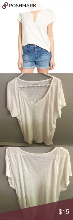 Madewell Turntable Split Neck Tee Classic Madewell throw on and go styling with a split neckline and curved hem. Relaxed fit. Cotton and rayon mix. Make me an offer! No trades, please. Madewell Tops Tees - Short Sleeve