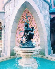 Cinderella fountain in Magic Kingdom, Walt Disney World