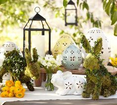 Most attractive easter decoration i. most attractive easter decorations - p Easter Flower Arrangements, Easter Table, Easter Decor, Easter Ideas, Simple Centerpieces, Easter Traditions, Egg Decorating, Spring Home, Topiary