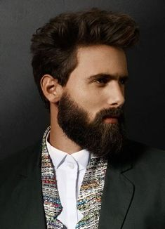 Do I really need to use beard oil? See before and after pics Beard Growth, Beard Care, Afro, Hair And Beard Styles, Hair Styles, Best Beard Oil, Types Of Beards, Beard Model, Clean Shaven