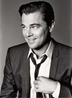 Look de star : Leonardo DiCaprio  Esquire photographed by Max Vadukul May 2013