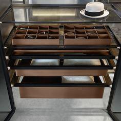 Rimadesio Cover wardrobe accessories #inloopkast #interieur #interieurdesign #interior #wonen #storage #kast #glas #interieurinspiratie #design #wardrobe #kledingkast #design #interiordesign #design #rimadesio www.noctum.nl