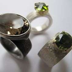 Group showcase of rings by UK based jewellers; engagement & wedding rings, rings for special occasions or for every day.
