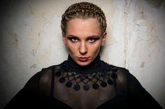 """Black Swan"".    Model: Christina Akinshina.  Mua: Mirjam Van Wiggen.  Hair Styling: Patrice Troost.    Locatie: In eigen studio.    www.MY-Photografie.nl"