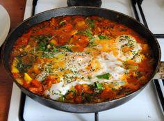 Silvie's Shakshuka (Shawk-shook-uh) Turkish Recipes, Ethnic Recipes, Arabic Recipes, Shakshuka Recipes, Vegetarian Recipes, Cooking Recipes, Romanian Food, Delicious Magazine, Egg Dish