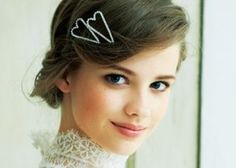 結婚式は完璧なスタイルを作りたい♡時代を超えて愛される、花嫁ヘアの前髪タイプ別4選*のトップ画像