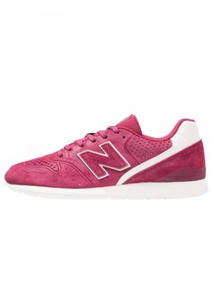 MRL996 - Sneaker low - red. #sneakers #color #zalando #fashion Fütterungsdicke:kalt gefüttert. Verschluss:Schnürung. Decksohle:Textil. Obermaterial:Leder/Synthetik. Sohle:Kunststoff. Schuhspitze:rund. Absatzform:flach. Innenmaterial:Textil